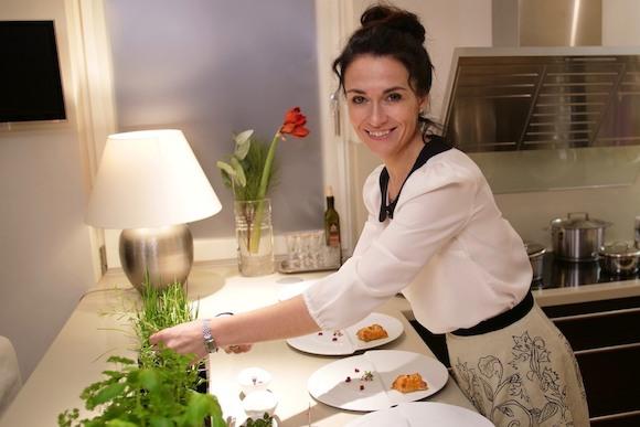"""Лидия Валента: """"Званый ужин"""" с разбитой духовкой и летающими блинами"""