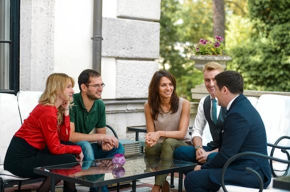 Теперь Германии требуются не только беженцы