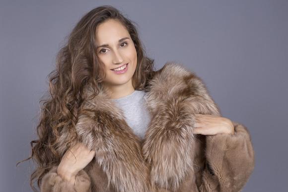 Скандал: натуральный мех продают по цене искусственного!