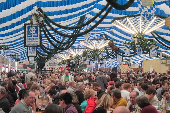 Что такое Frühlingsfest в Мюнхене?
