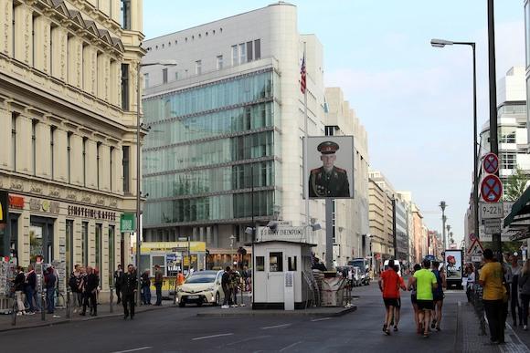 Фридрихштрассе – пешеходная зона?